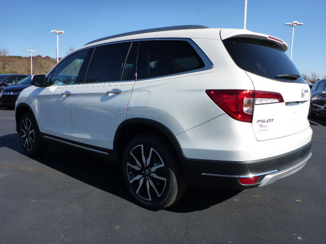 New 2020 Honda Pilot Touring-8P