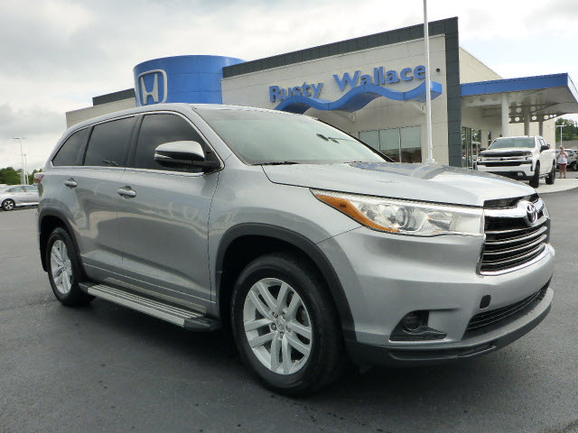 Pre-Owned 2014 Toyota Highlander LE