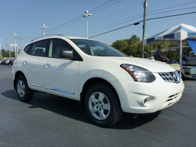 Nissan Rogue Select >> Pre Owned 2015 Nissan Rogue Select S
